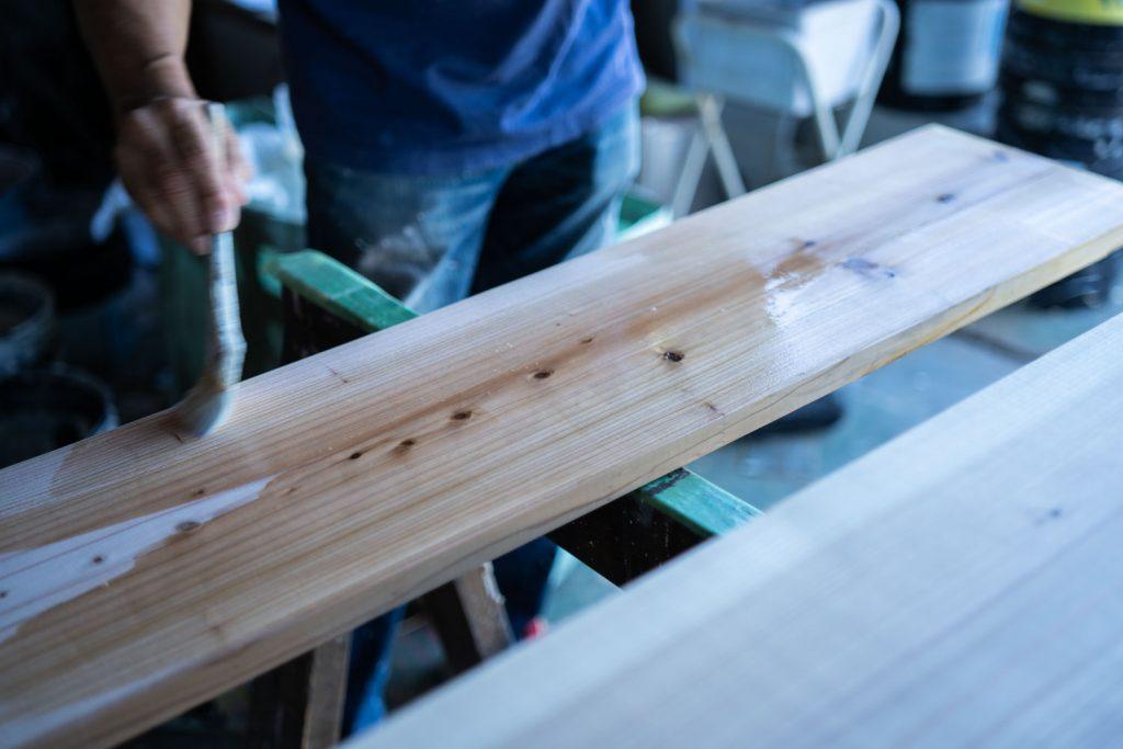 やぶやん床板貼る-3