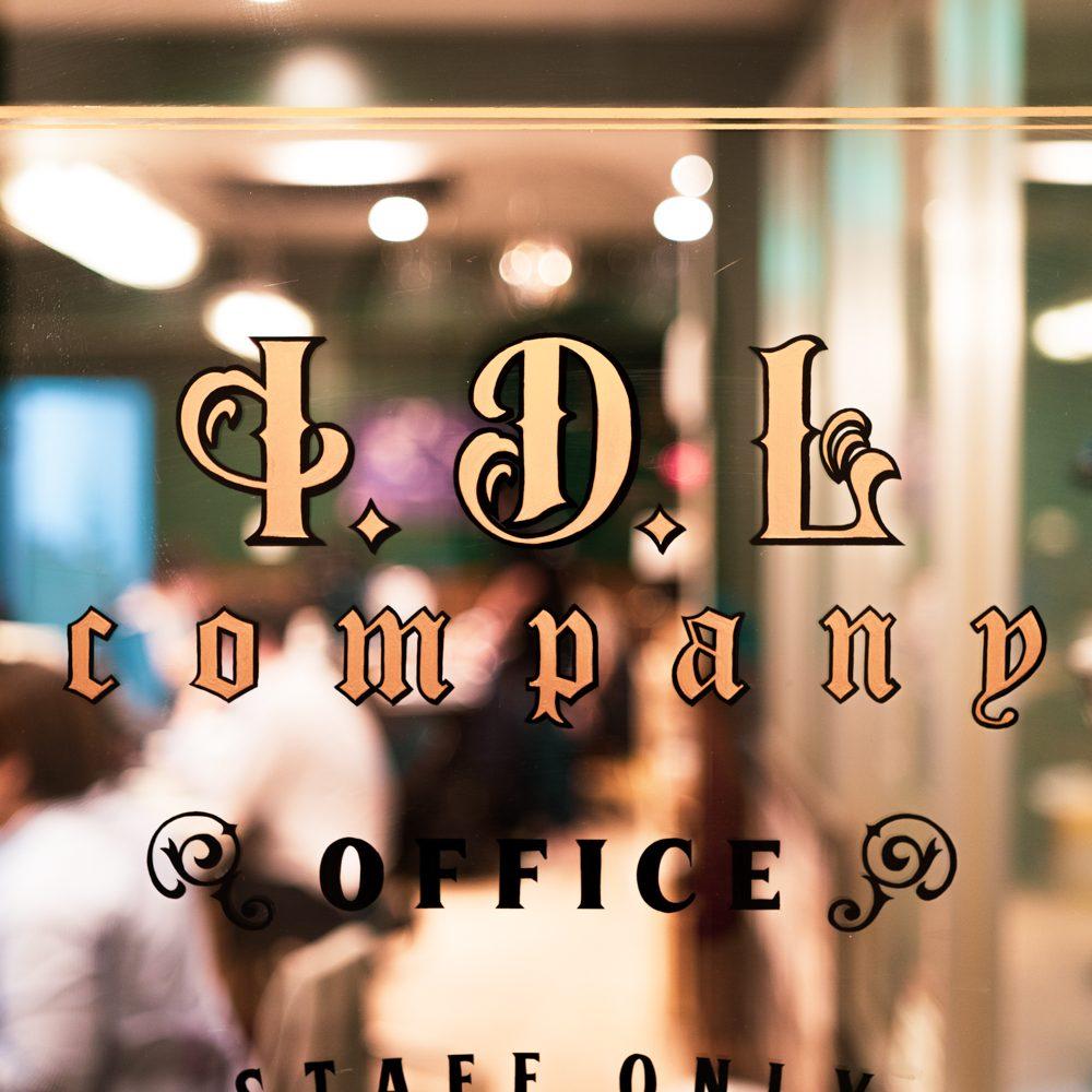 I.D.L COMPANYロゴ写真